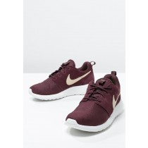 baskets basses nike roshe run homme bordeaux rouge et blanc