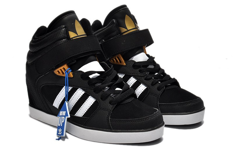 adidas amberlight up black and gold,
